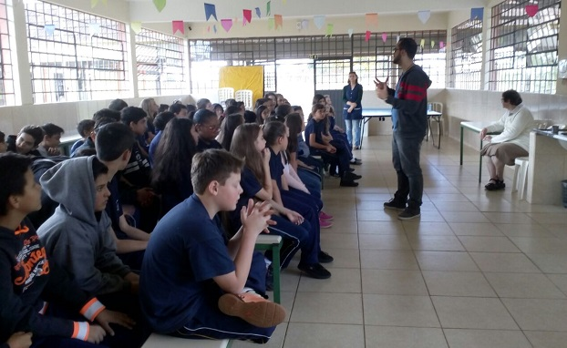 Momento de Espiritualidade com os estudantes do Colégio Estadual Espírito Santo