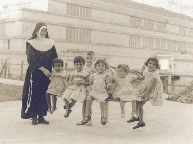 Presença das Irmãs entre as órfas do Lar Maria Albertina