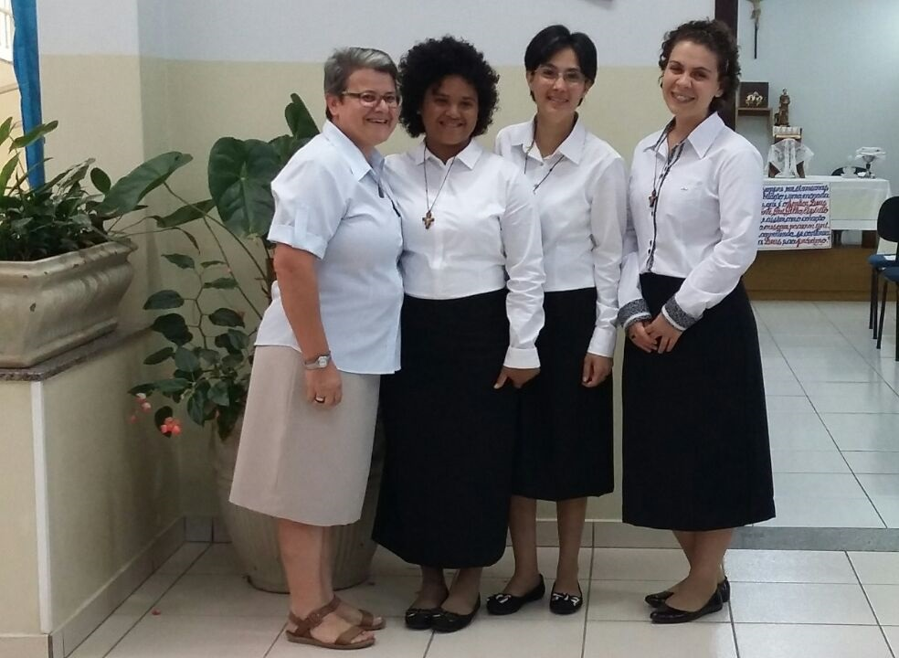 Ir. Isabel Simeoni e as aspirantes, Maria Ruderleia, Elidia e Ana Karoline